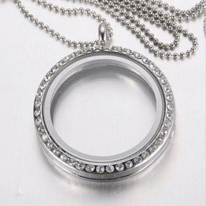 Jewelry - Living Memory Floating Family Charm Locket Pendant
